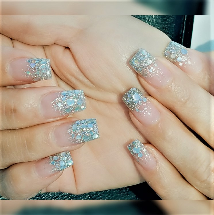The Newest Manicure Trends Right Now Are Gel, Hybrid Gel, Acrylic Nails